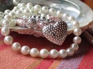 perlenkette_pearl-necklace-914424_640_pixabay